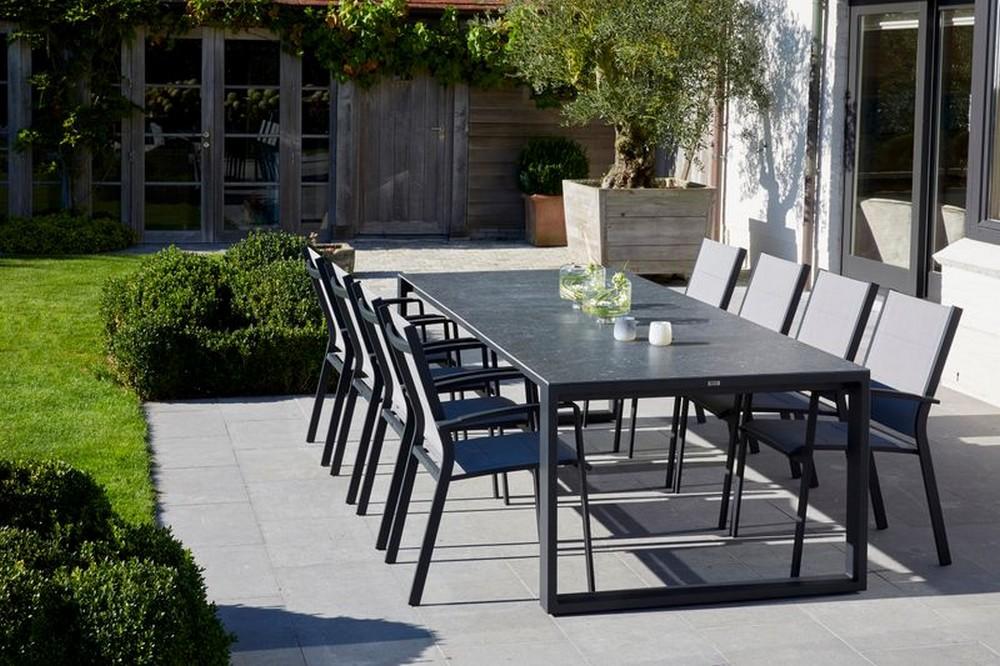 Tuinstoelen en ligstoelen, een must in de tuin!