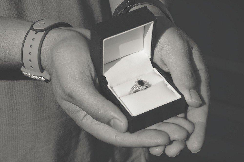 Doe perfect aanzoek dankzij de juiste verlovingsrin